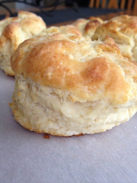 Buttery Biscuits -- The perfect, soft and fluffy, melt-in-your-mouth buttery biscuit you've always wanted to make. With five ingredients, you can now be the biscuit master! Perfect sweetened for strawberry shortcake| thatwhichnourishes.com