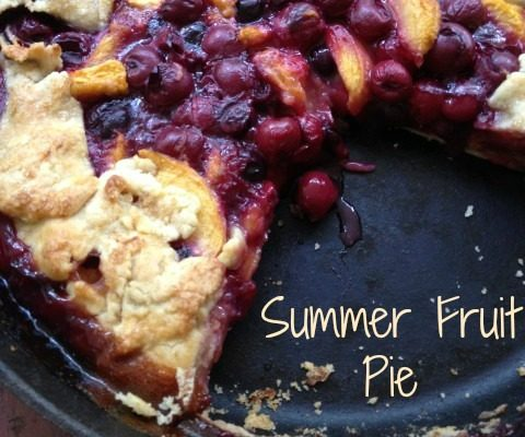 Summer Fruit Pie -- Edible gold in the form of all the juicy summer fruits fill a gorgeous, rustic crust made in a cast iron skillet. Bubbling hot filling in a crunchy almond crust make a pie you'll absolutely drool over. | thatwhichnourishes.com