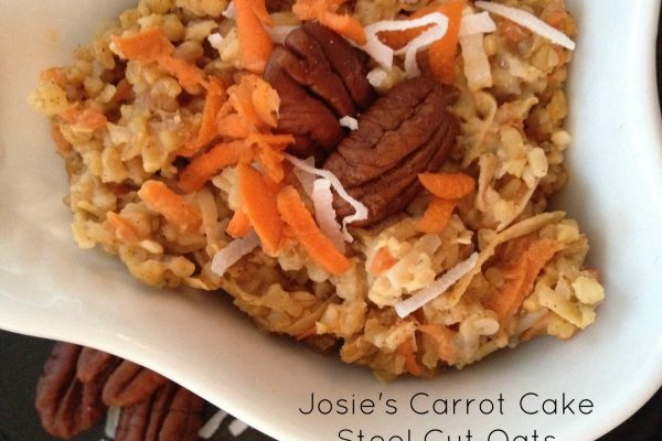 Josie's Carrot Cake Steel Cut Oatmeal -- It's as easy as oatmeal to make a spectacular breakfast or lunch packed FULL of wholesome goodness and nutrition, and tastes like a dessert. | thatwhichnourishes.com